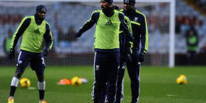 Anelka warming up