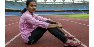 Dutee_Chand_sitting_on_track