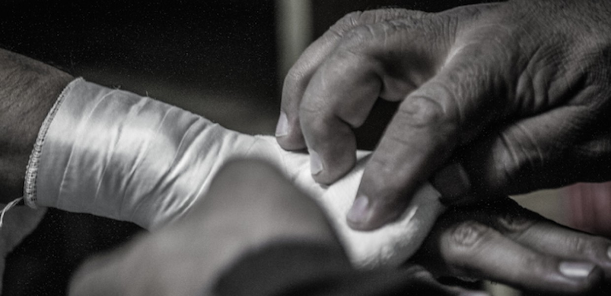 Generic_Boxers_Hands_Being_Wrapped