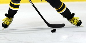 Ice_Hockey_Player_Yellow_Laces